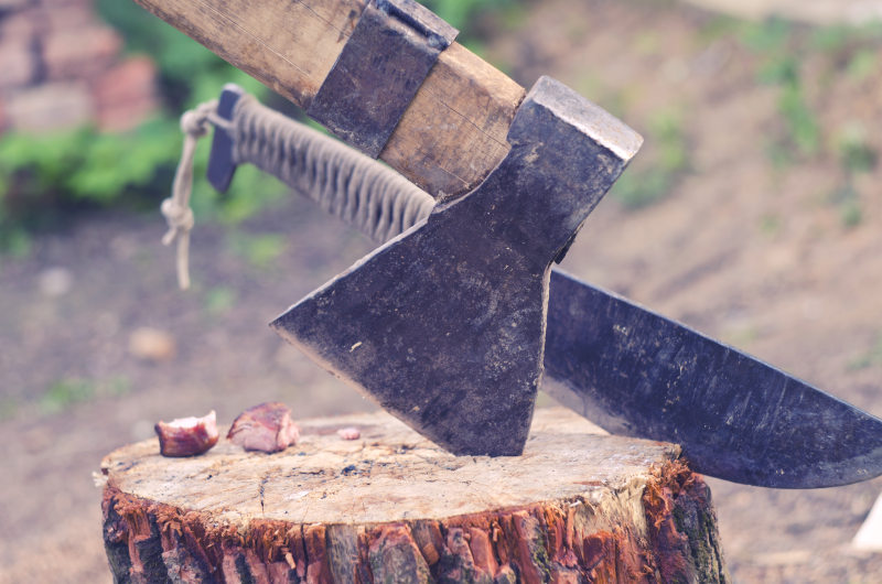 How to Split Wood with Axe and Machete