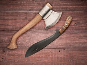 Kukri vs Hatchet – Which is the Better Survival Tool?