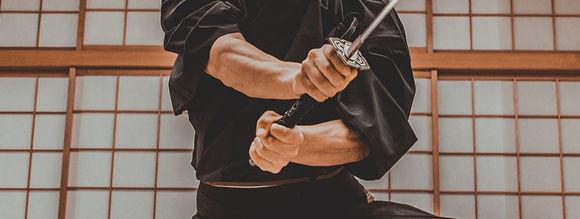 Grip Balance in Sword Fighting