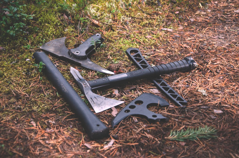 Best Tactical Tomahawk For Throwing and Camping